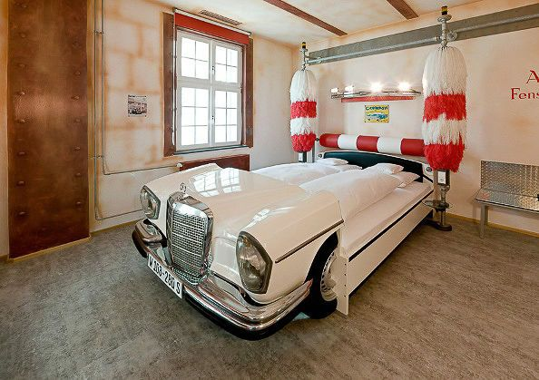 Mercedes-Car-Wash-Bed