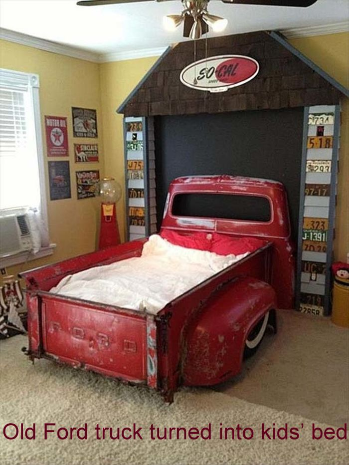 Old-Ford-truck-turned-into-kids'-bed_9