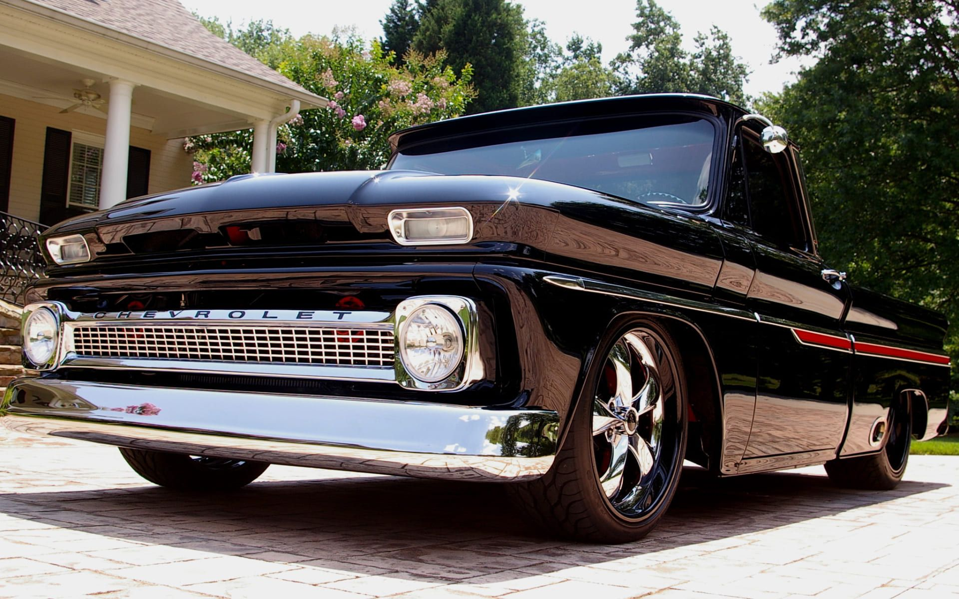 classic-retro-chevy-pickup