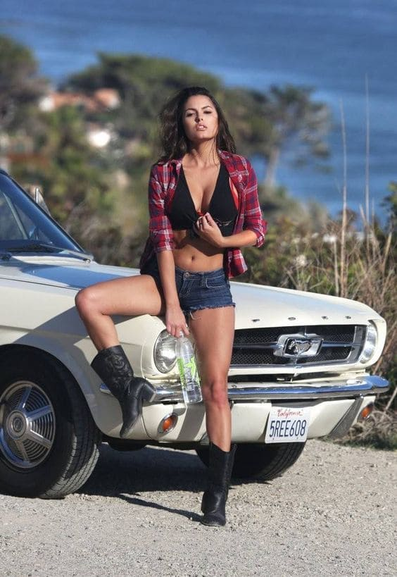 Airport Chrysler Dodge Jeep >> Mustang Girls | All Collector Cars
